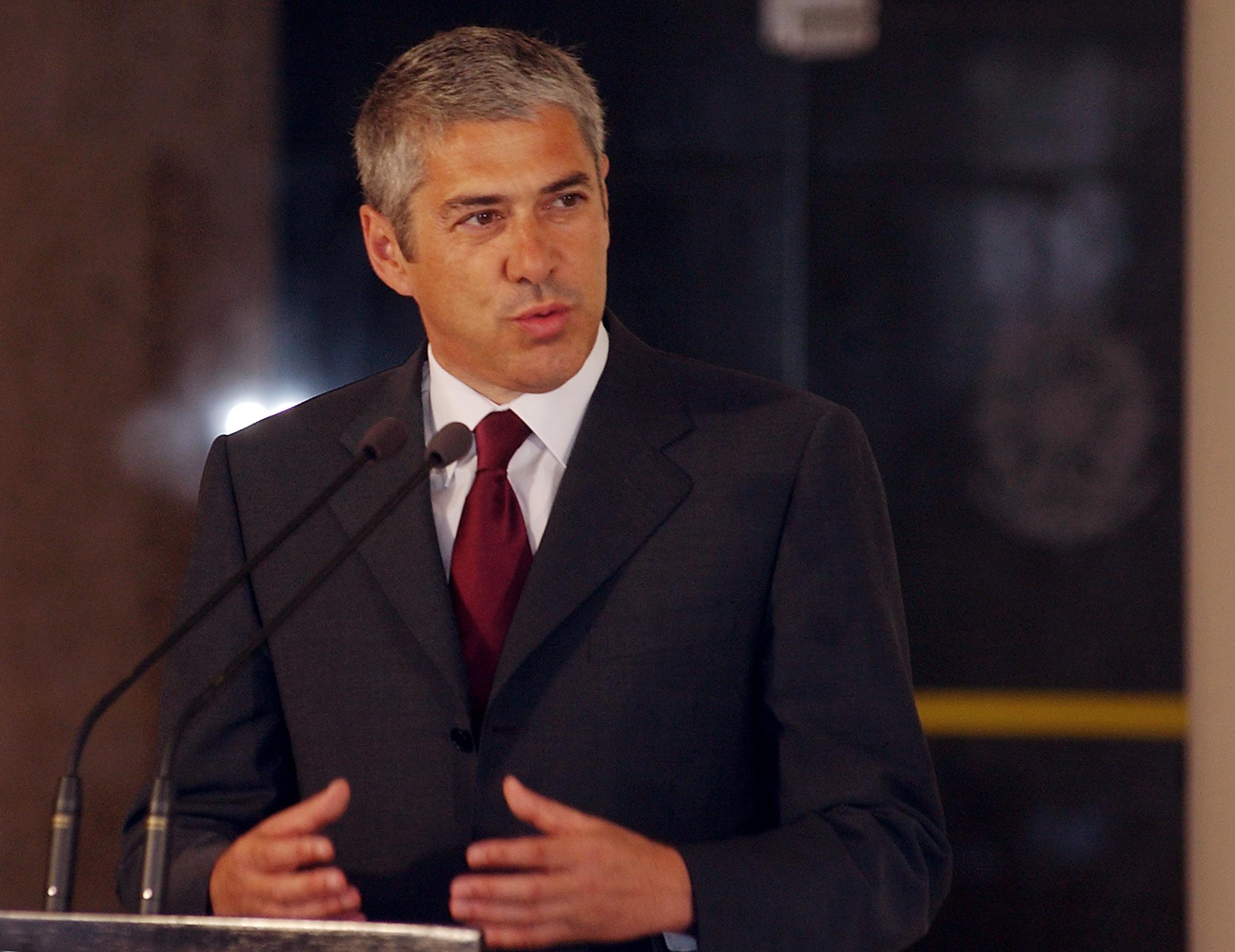 Sócrates avisa que el rescate de Portugal debilitará a otros países