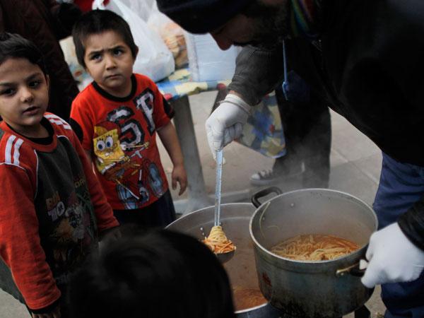 Los niños griegos pasan hambre