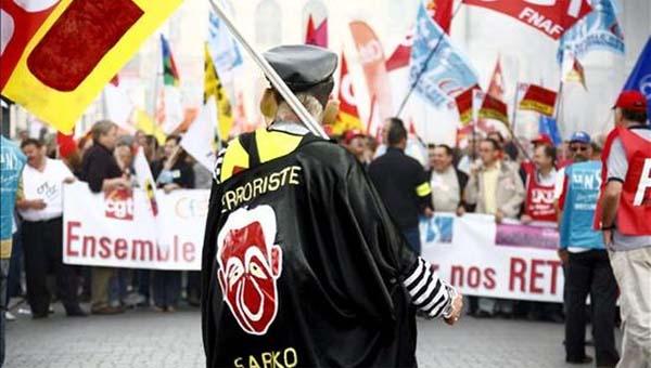 Francia va bien: Suben el IVA, congelan sueldos y aumentan la jornada laboral