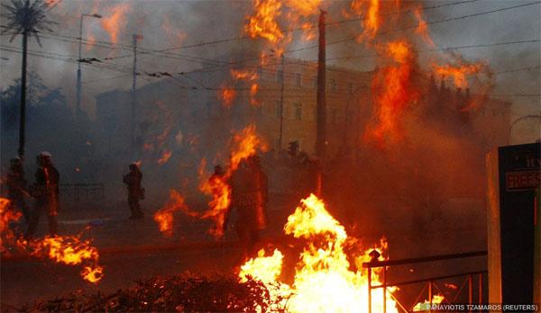 Arde Atenas