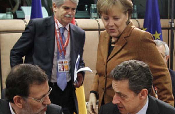 Bruselas reprende a Rajoy y amenaza con la multa por incumplir el déficit