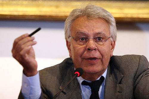 González reclama la ayuda alemana para España