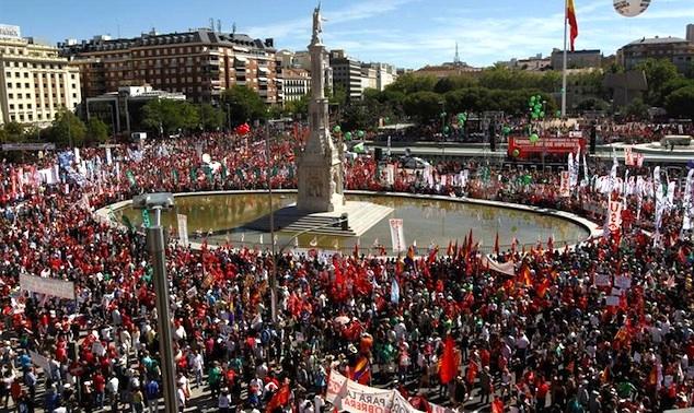El grito de los españoles en Madrid: ¡Referéndum!