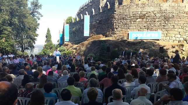 Rajoy se compromete a bajar impuestos en 2014