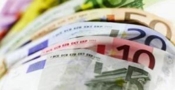 Por primera vez tras una década, la remesa de dinero por emigrantes supera a la de los españoles
