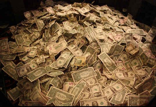 30 familias acumulan el dinero de nuestro país