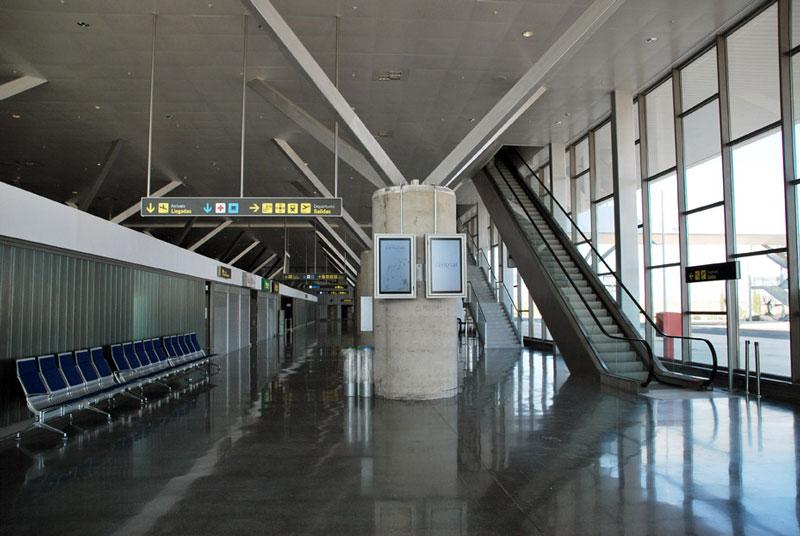 El aeropuerto de Ciudad Real no tiene quien le quiera