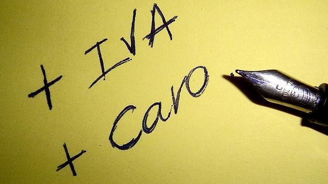 Bruselas sigue empeñada en que España suba el IVA