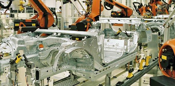 España aumenta su producción de vehículos
