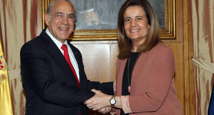 Báñez pagó 50.000 euros a la OCDE por elogiar su reforma laboral