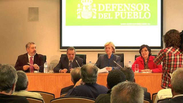 La Defensora del Pueblo propone no desahuciar a quien deba menos de 30.000 euros a la Seguridad Social