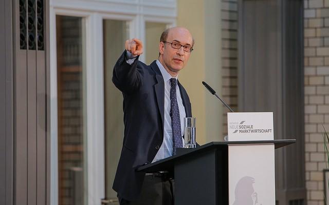Rogoff propone que España reestructure su deuda pública