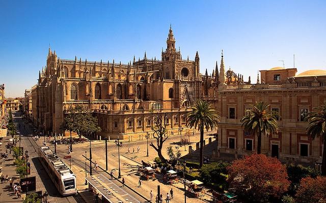 Fomento invertirá cerca de 8.000 millones de euros en Andalucía en esta legislatura